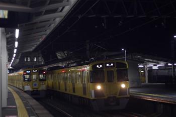 2016年11月15日、西所沢、左から9102Fの3102レ・2465F+2071Fの5103レ・2513Fの6101レ。