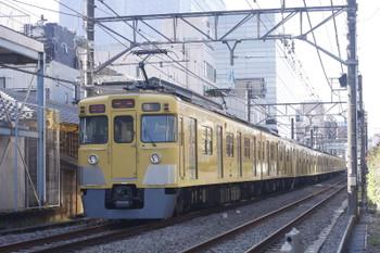 2016年11月22日、高田馬場~下落合、2413F+2001Fの2323レ。