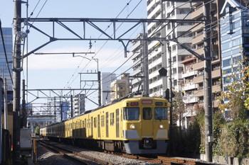 2016年11月29日、高田馬場~下落合、2413F+2003Fの2642レ。