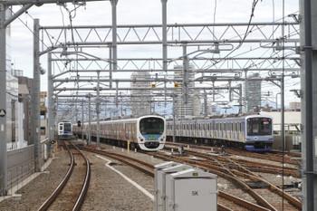 2016年10月29日、石神井公園、6番線で折り返しを待つ30101Fの臨時列車とその横を通るY514Fの6658レ。