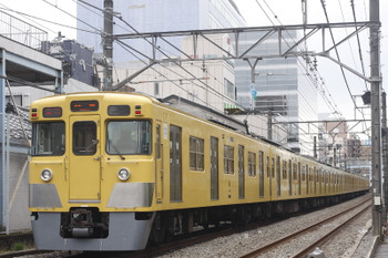 2016年12月14日、高田馬場~下落合、2005F+2401Fの2323レ。