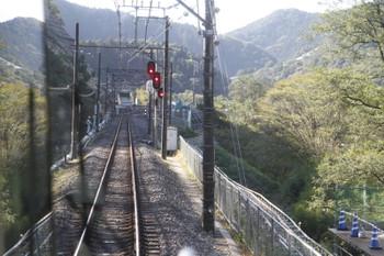 2016年10月27日、芦ヶ久保~正丸、芦ヶ久保駅付近の線路沿いの簡易モノレール(右下)など。