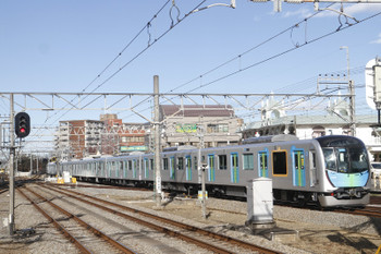 2016年12月23日 13時31分頃、小川、4番ホームへ到着する40102Fの下り試運転列車。