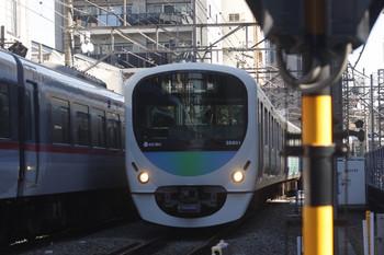 2017年1月5日、高田馬場~下落合、38101Fの5135レ(右)と10108Fの120レ。
