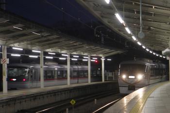 2017年1月9日、入間市、10107Fの36レと10103Fの下り回送列車。