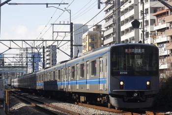2017年1月13日、高田馬場~下落合、20108Fの2332レ。