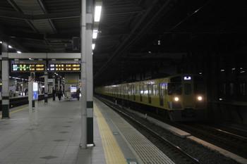 2017年1月22日 6時11分頃、練馬、通過する2075Fの上り回送列車。