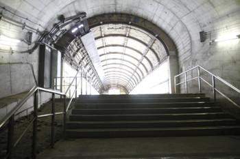 2017年1月9日、土合、トンネル内の下りホームから地上通路に出るところ。