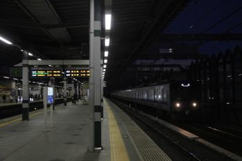 2017年2月11日 6時11分頃、練馬、通過する20151Fの上り回送列車。