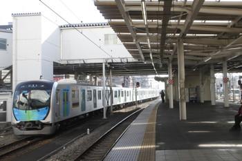 2017年1月22日13時47分頃、所沢、6番線に到着する40101Fの上り試運転列車。