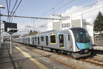 2017年1月29日 12時21分頃、稲荷山公園、停車中の40101Fの上り試運転列車。