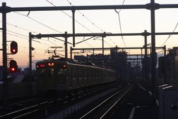 2017年1月23日、石神井公園、3番ホームから発車した2413F+2081Fの2104レ。