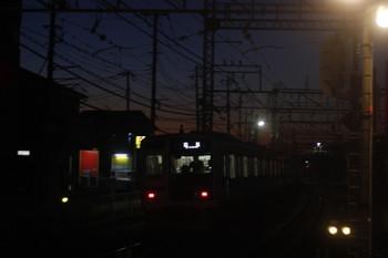 2017年3月9日 5時28分頃、西所沢、4番ホームを通過した6114Fの上り回送列車。
