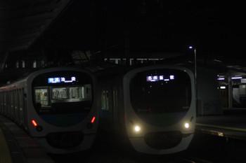 2017年3月10日、西所沢、32104F+38110Fの3102レ(左)と30101Fの5103レ。