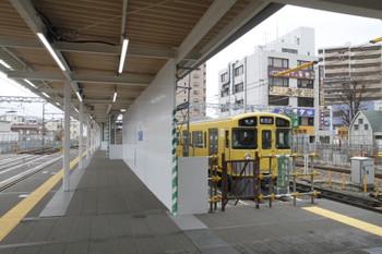 2017年2月18日、東村山、本川越方に移動した3番ホーム(左側)。
