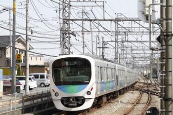 2017年4月16日 14時8分頃、西所沢、4番ホームを通過した38118Fの上り回送列車。