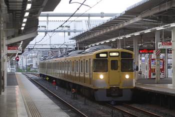 2017年4月19日 5時30分頃、所沢、2511F+2453Fの上り回送列車。