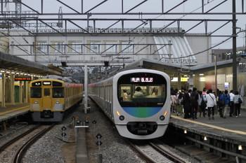 2017年5月12日、西所沢、2503Fの6197レと到着した38107Fの6196レ。