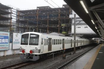 2017年4月9日 13時44分頃、所沢、6番線に停車中の1253F+263Fと発車した6153Fの2133レ。