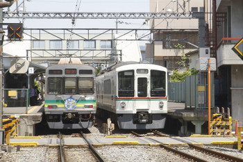 2017年5月20日 11時11分頃、御花畑、7501ほかの羽生ゆき1530レと4023Fの回送列車。