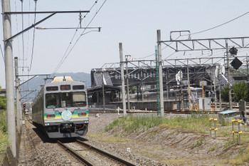 2017年5月20日 11時54分頃、影森~西武秩父、7507ほかの羽生ゆき1532レ。御花畑駅を発車したリレー3号の4023Fが見えます。