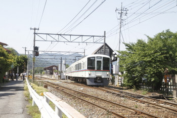 2017年5月20日 13時43分頃、長瀞、3番ホームから発車した4023Fの下り回送列車。