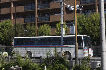 2017年5月11日 8時半頃、高田馬場駅近くの新目白通り、西武バスの廃車?