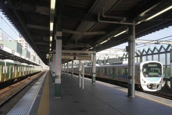 2017年7月15日 6時11分ころ、練馬、通過する38109Fの上り回送列車。