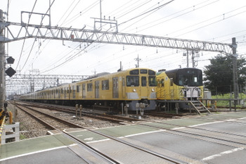 2017年8月19日 12時47分ころ、南入曽車両基地、上下の臨時列車の並び。