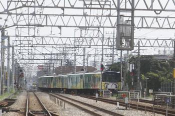 2017年8月19日 12時50分ころ、南入曽車両基地、新所沢駅へ発車した20158Fの上り臨時列車。下り列車を待たせての本線横断が始まります。