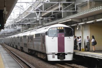 2017年9月8日 7時58分ころ、西大井、215系の「湘南ライナー6号」。
