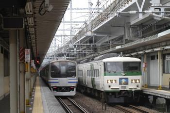 2017年9月8日 9時6分ころ、西大井、185系の「湘南ライナー12号」。
