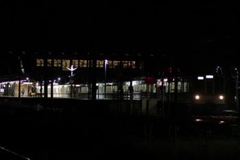2017年9月18日 19時31分ころ、西武秩父、発車した4021F+4017Fの上り回送列車。
