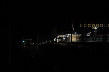 2017年9月18日 20時3分ころ、西武秩父、駅横の連絡線を秩父鉄道へ向かう4017Fの回送列車。