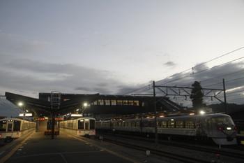 2017年9月19日 5時19分ころ、西武秩父、5002レで発車した4001Fに代わり回送されてきた4011Fが3番ホームへ入線し5004レに。