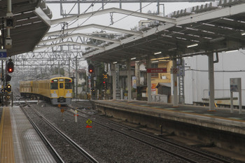 2017年10月15日 11時21分ころ、清瀬、2番ホームから発車した2513Fの下り回送列車。