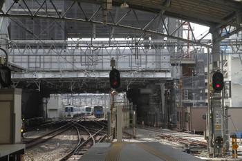 2017年10月8日 11時1分ころ、池袋、発車した4009F(52席)の下り列車(左端)。