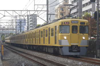 2017年10月18日、高田馬場〜下落合、2411F+2511F+2541Fの2648レ。