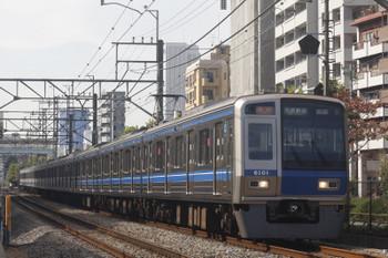 2017年11月1日、高田馬場〜下落合、6101Fの2332レ。。