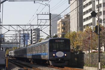 2017年11月17日、高田馬場〜下落合、20104Fの2642レ。