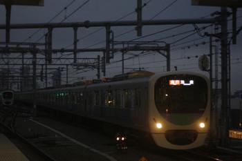 2017年11月28日、石神井公園、3番ホームへ到着する30103Fの2104レ。