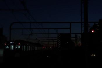 2018年1月7日 6時12分ころ、練馬、急行線を通過した2077Fの上り回送列車。