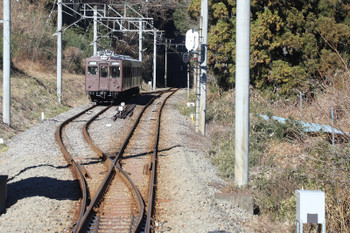 2018年1月1日、千平〜下仁田、信号場に入った303+204の28レ。