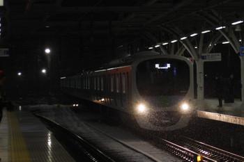2018年2月2日 5時56分ころ、石神井公園、3番ホームへ到着する38104Fの上り回送列車。