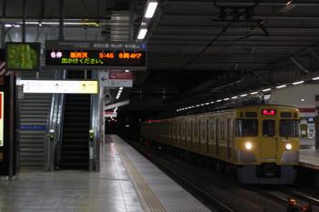 2018年2月21日 5時30分ころ、所沢、2027Fの新宿線 上り回送列車。