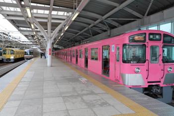 2018年3月10日、石神井公園、9101Fの2111レ到着後に着発のメトロ10017Fの6507レ。