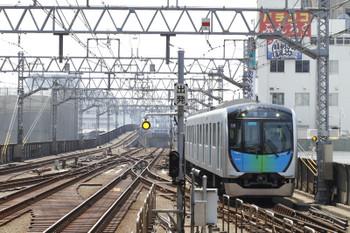 2017年5月21日 11時23分ころ、武蔵小杉、東横線上りホームへ到着する、西武線内402レのS-Trainだった西武40101Fの上り回送列車。