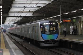 2017年5月12日、秋津、通過する40102Fの501レ。