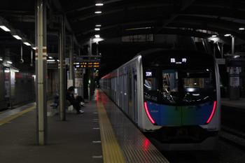 2018年4月28日 0時19分ころ、ひばり丘、発車した40104Fの下り臨時列車。