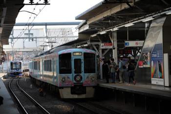 2018年5月5日 7時41分ころ、所沢、4009Fの上り回送列車とY511F(ベイスターズ)の6804レ。